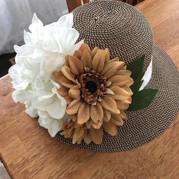 Accessories - Beautiful women's hat
